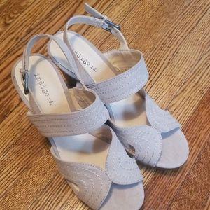 NWOT Platform Sandals